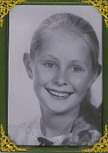 bw-photo-of-louise-age-11